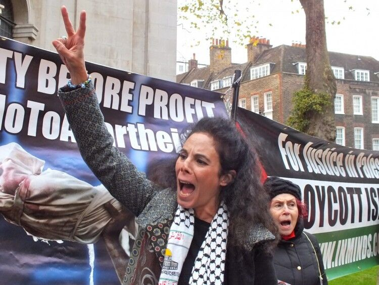 Britain Bans the Boycotters via @commentarymagazine