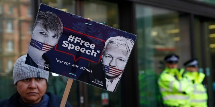 Julian Assange's Arrest Is Not an Attack on Journalism via @commentarymagazine