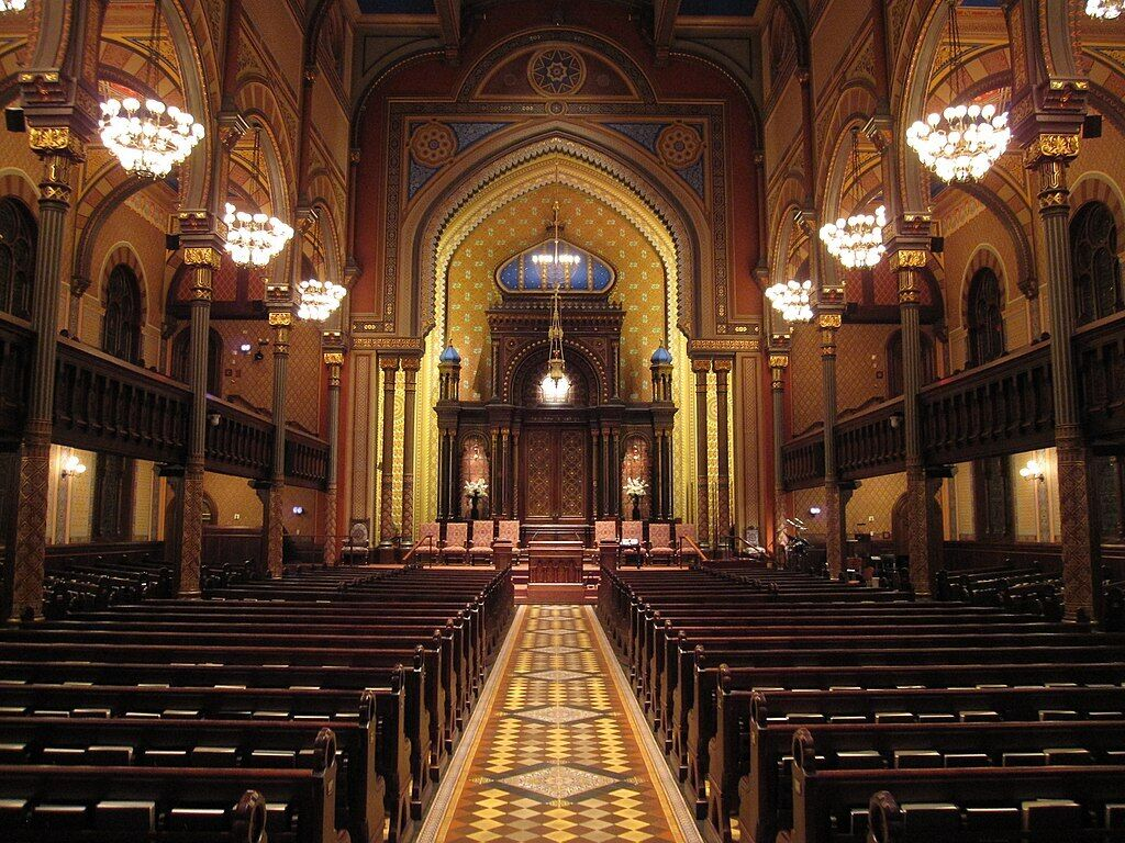 empty central synagogue