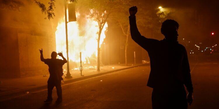 The Democrats Ignored the Riots, but Republicans Won't